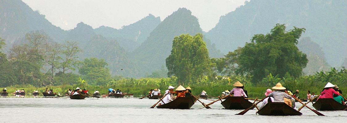 Hanoi - Perfume Pagoda Tour