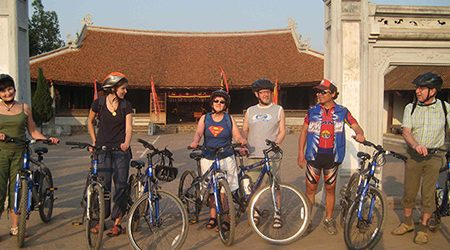 Hanoi Countryside Biking Tour With Dong Ngac Cultural Village – Half Day