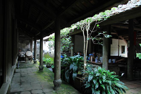 The ancestral worshiping house of the Do Family in Dong Ngac, Hanoi