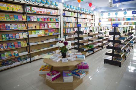 Tri Tue Bookstore