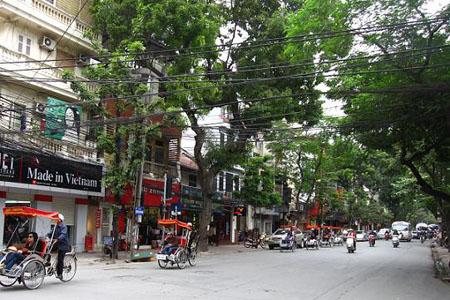 Nguyen Huu Huan Street, Hoan Kiem District, Hanoi