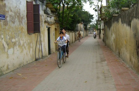 Xom Street, Hanoi