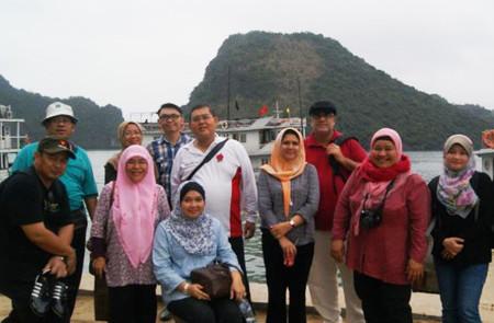 Muslim group in Halong Bay.