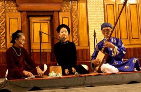 Ca Tru singing in Hanoi