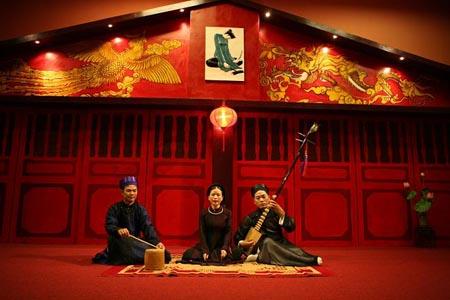 Traditional Ca tru singing performance in Hanoi