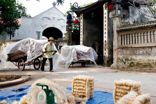 Vermicelli making in Cu Da Ancient Village