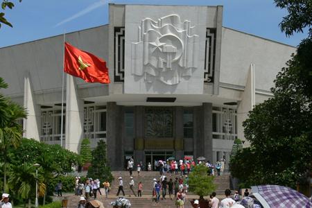 Ho Chi Minh Museum - Ho Chi Minh Complex