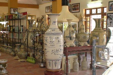 Chu Dau ceramic products