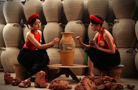 Phu Lang Pottery Village