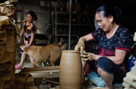 Huong Canh Pottery Village