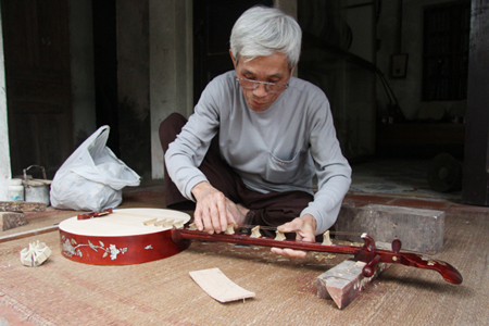 Dao Xa Traditional Musical Instruments Making Village
