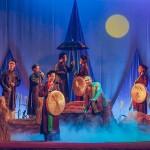 Quan Ho singing - Golden Bell Show