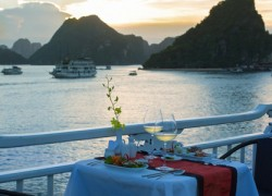 Romantic Dining on the sundeck, V Spirit Cruise