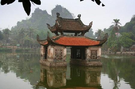 Thay Pagoda feature