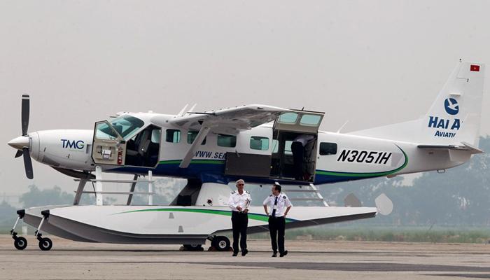 Hanoi - Halong Bay with Hai Au Aviation
