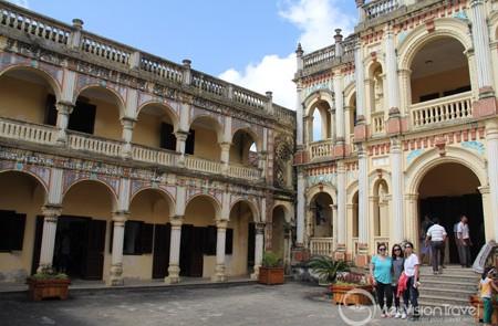 Hoang A Tuong Palace