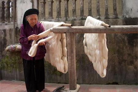 Vong Nguyet Silk Village