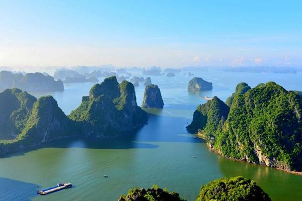 Majestic Bai Tu Long Bay