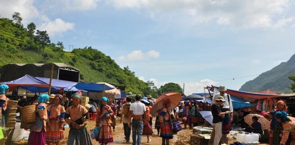Sapa Can Cau Ethnic Market