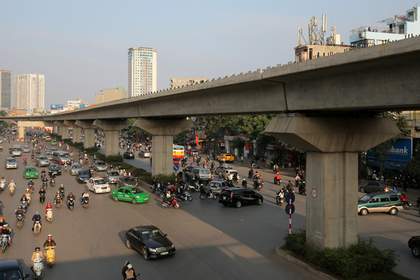 Hanoi Elevated Railway is capable of operating 13 trains with carrier frequency of every two minutes with a maximum speed of 80 kilometres per hour