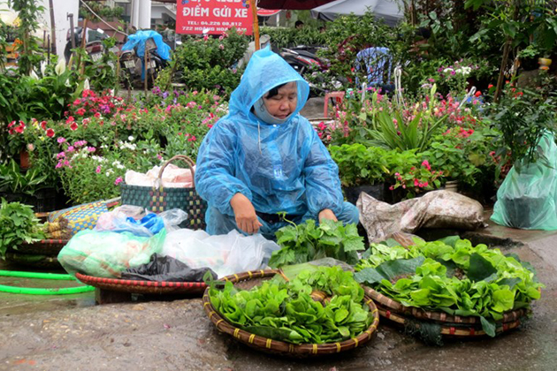 Bargain is necessary when buying something in Hanoi