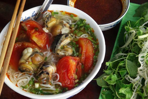 Rice noodles with snails - Bun oc