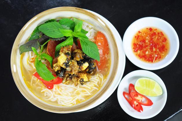 Bun Oc - Rice noodle soup with snails