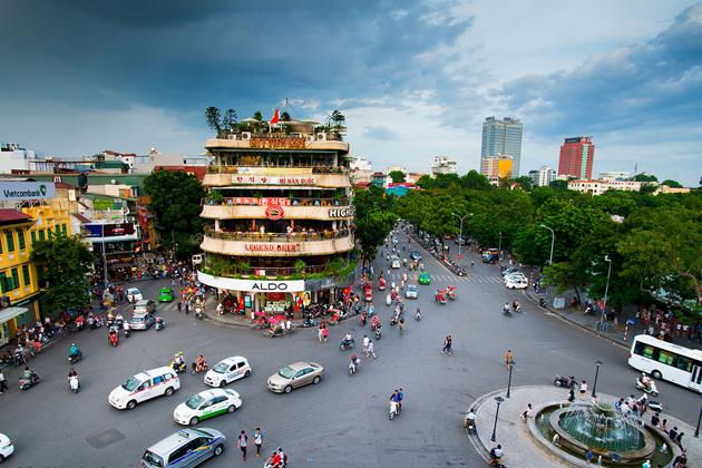 Bustling life in Hanoi